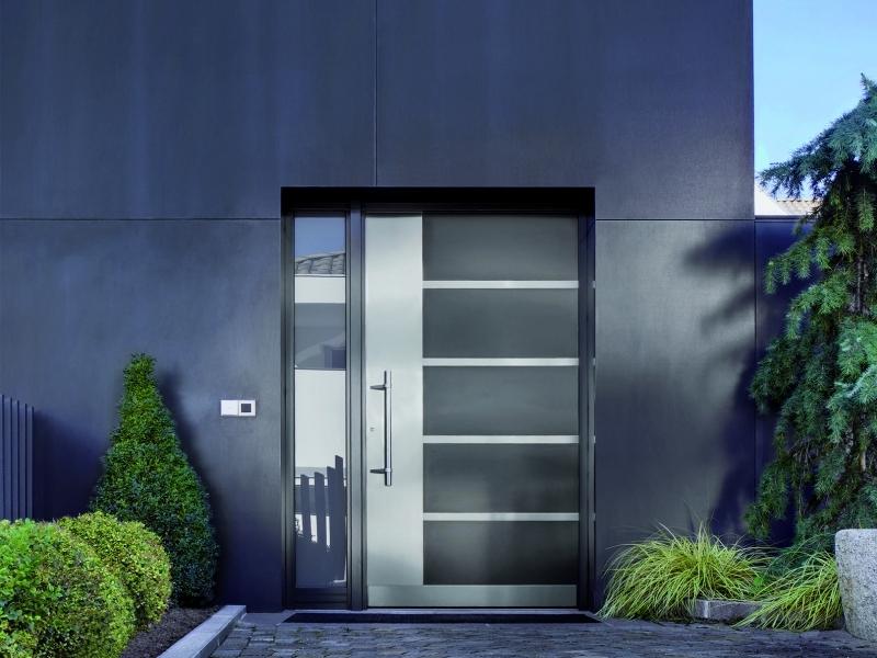 Fabricant installateur de portes d 39 entr e fr jus for Installation porte d entree