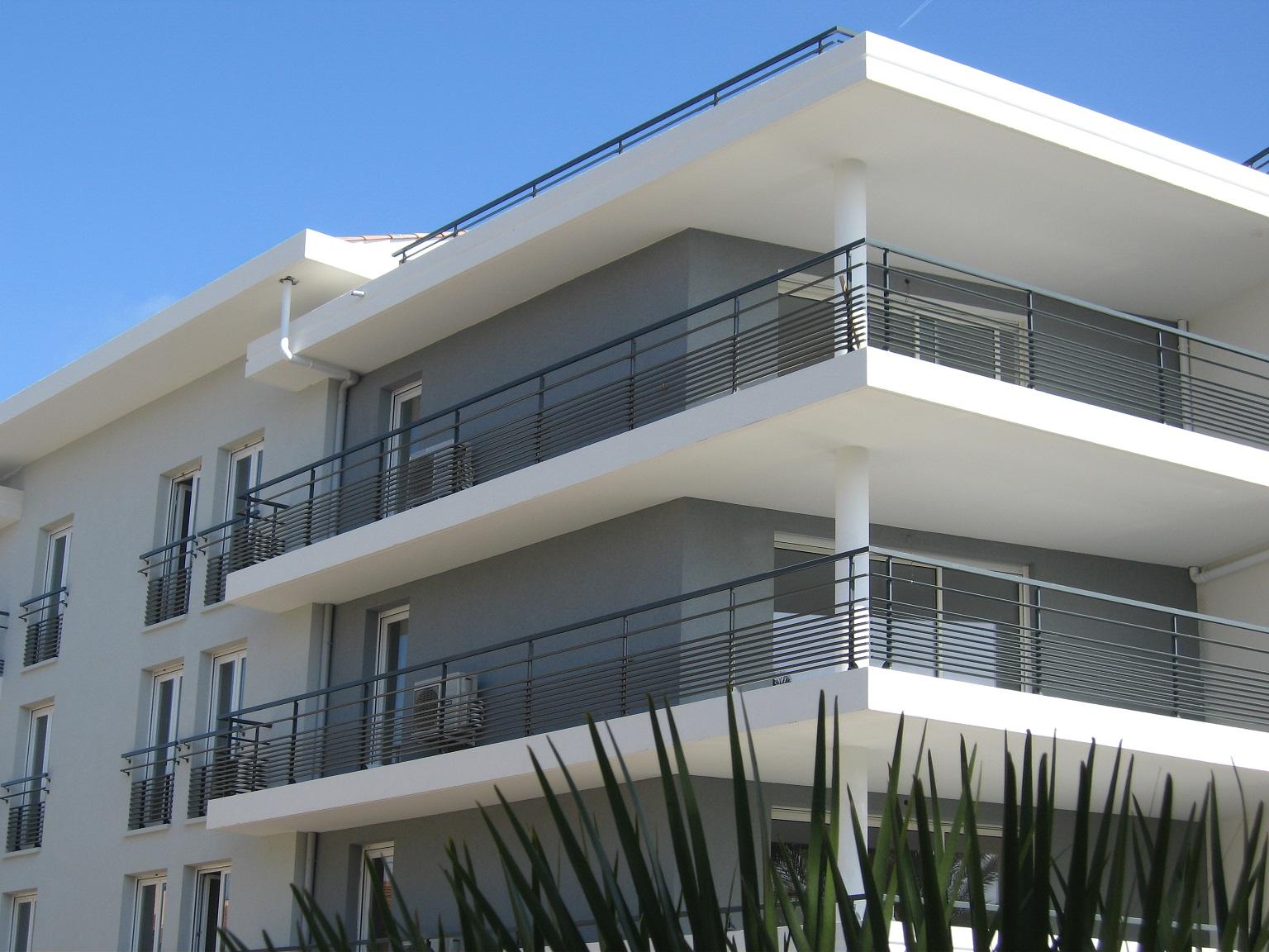 garde corps design fr jus saint rapha l home design. Black Bedroom Furniture Sets. Home Design Ideas
